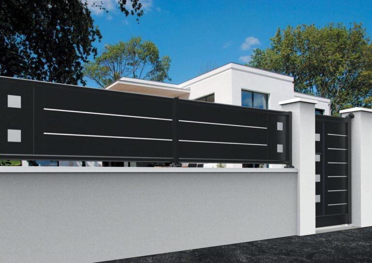Portail battant en aluminium ORIO10_CL_S2DA Clôture lames horizontales 200 mm et liserés + décor carrés pleins