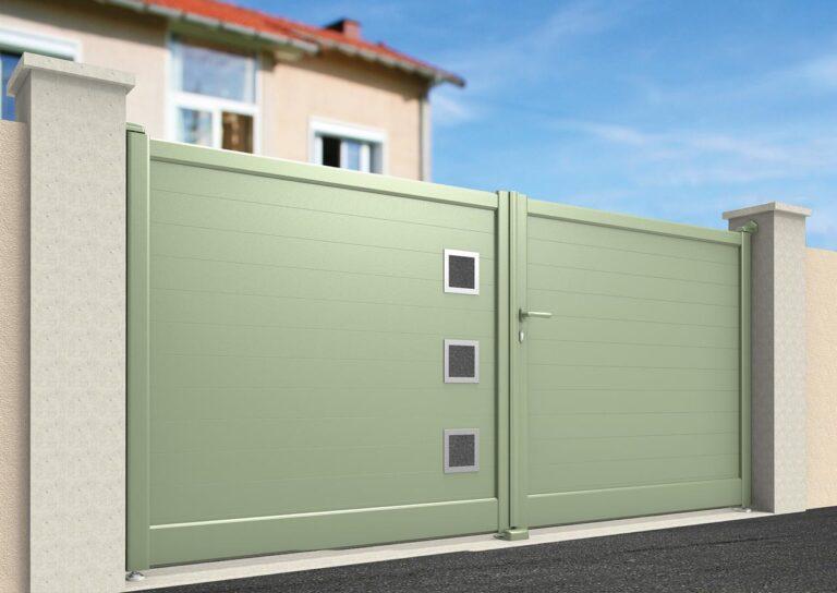 Portail battant en aluminium GANY21_B_P1 Lames verticales 200 mm + décor aluminium avec incrustation carrés de pierre