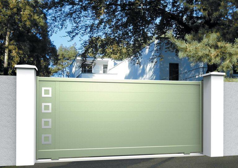 Portail battant en aluminium CARE09_C1_P2DA Lames horizontales 200 mm + décor carrés creux