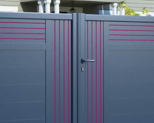 Décoration sur portail aluminium
