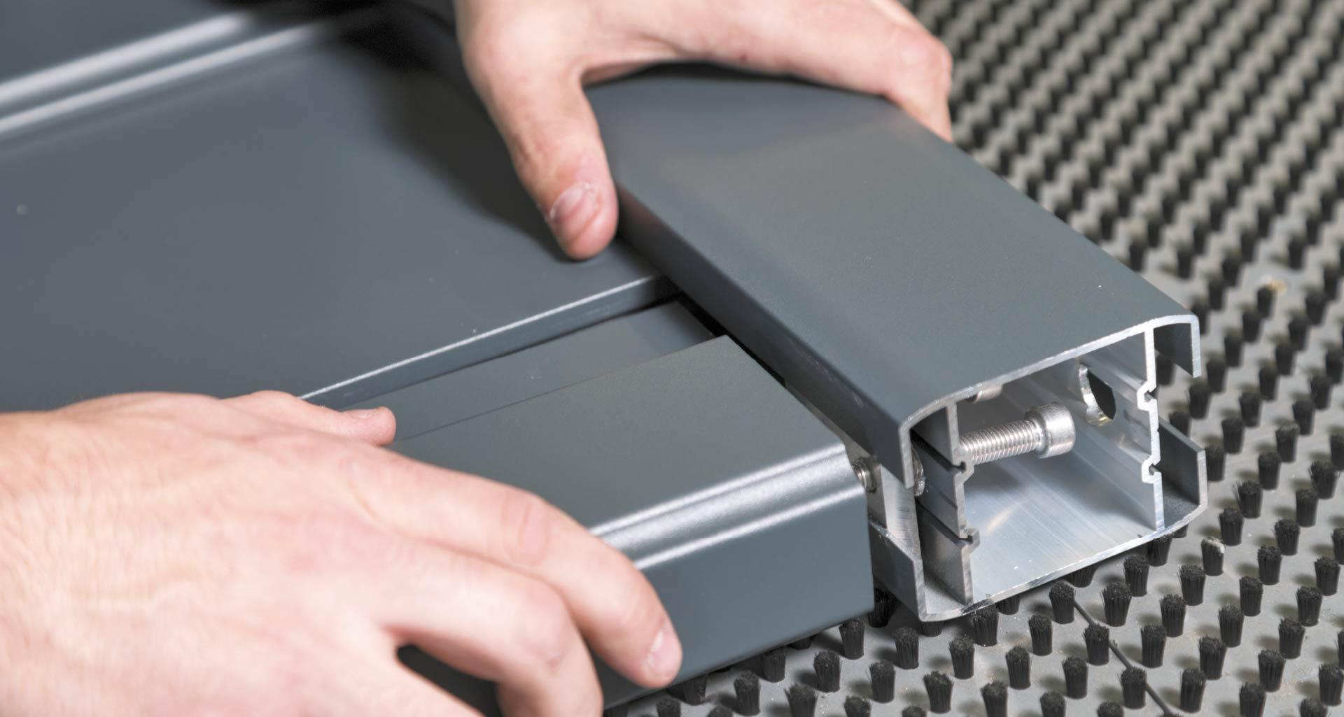 Assemblage portail aluminium CEBEL